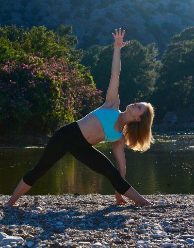 Jill Kneeland yoga teacher. Casco Yoga Panama. profesora de yoga panama. clases de yoga panama. casco viejo. casco antiguo. panama city Panama